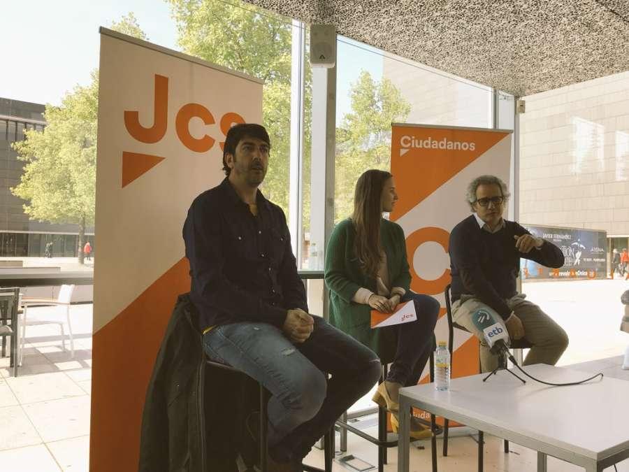 Diputados de Ciudadanos respaldan en Pamplona a sus Jóvenes en Navarra