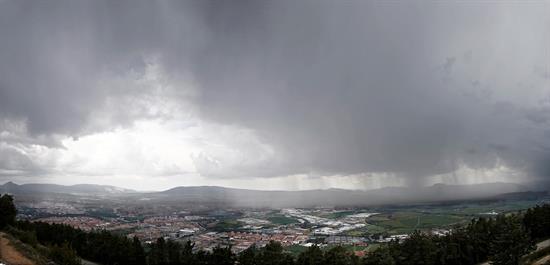 Julio registró temperaturas superiores a la media y abundantes tormentas