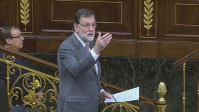 Rajoy no dimitirá y acusa a Sánchez de intentar