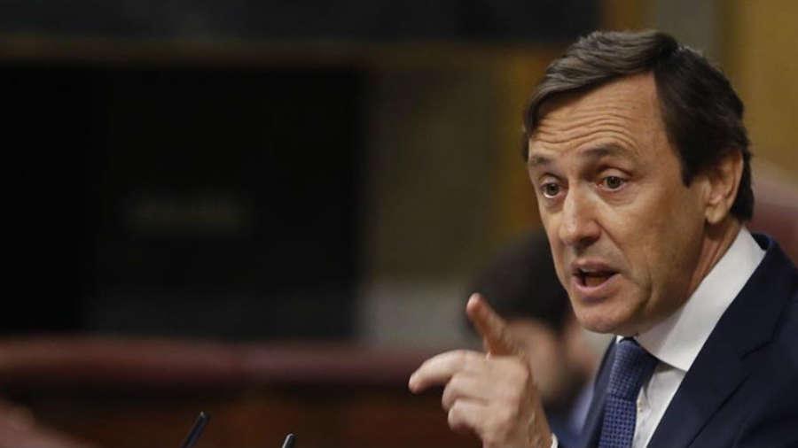 El PP acusa a Sánchez de poner en jaque la unidad de España