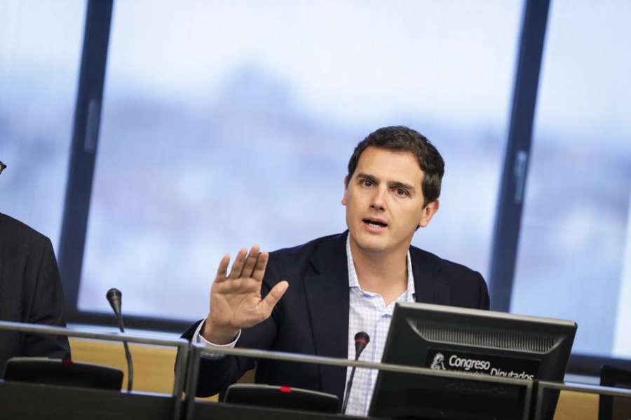 Rivera pide a Sánchez el informe de Plagscan, que vio un 21 % de coincidencia
