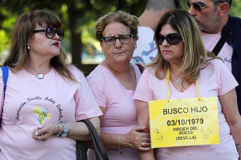 Arranca el juicio contra doctor Vela, el primero por bebés robados en España