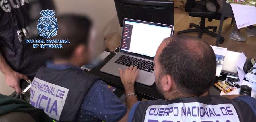 Desmantelada una red de pornografía infantil a través de Watsap en España, Europa y América