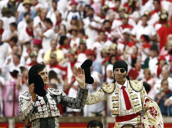 Roca Rey toma el relevo de Padilla en una Feria del Toro con poco toro