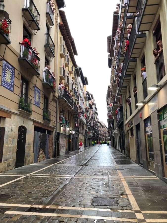 El centro de Pamplona cerrado al tráfico por San Fermín desde las 8:00 del día 5