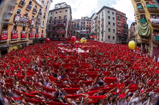 Un chupinazo inclusivo abre en un ambiente festivo los Sanfermines 2018