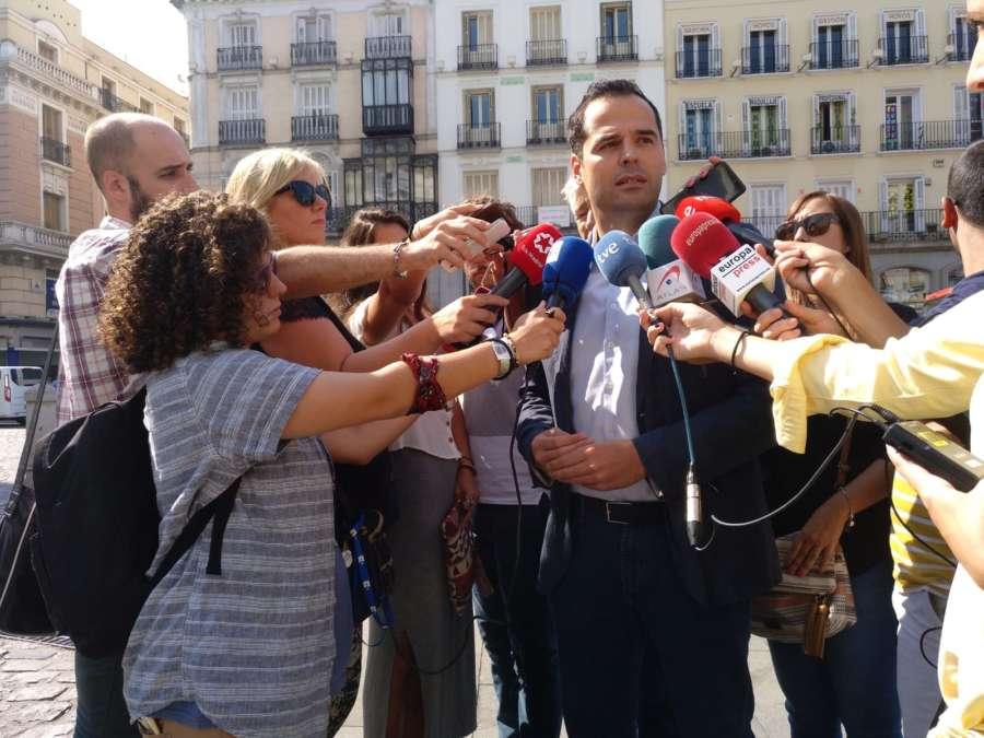 """Aguado pide a Sánchez que """"deje de marear la perdiz"""" y forme Gobierno"""