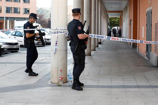 El fallecido en el barrio de San Jorge presenta un disparo en la cabeza