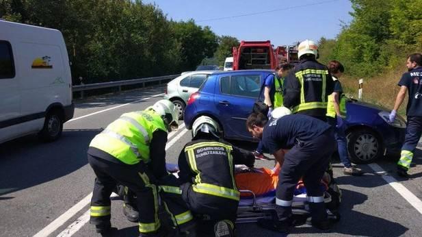 Dos heridos con policontusiones y traumatismo craneoencefálico en Olave