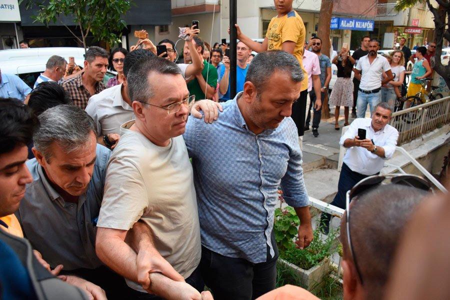 Un tribunal turco rechaza de nuevo liberar al religioso estadounidense