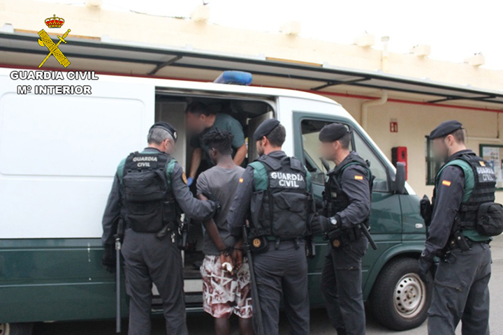 Detenidos los presuntos inmigrantes responsables de la agresión a guardias civiles en Ceuta