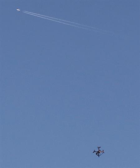 Un dron controla desde el aire a las reses bravas escapadas en el encierro de Falces