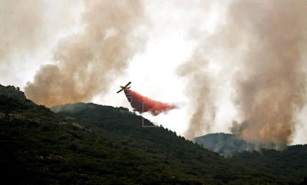 Quemadas ya 1.500 hectáreas en el incendio de Llutxent (Valencia)