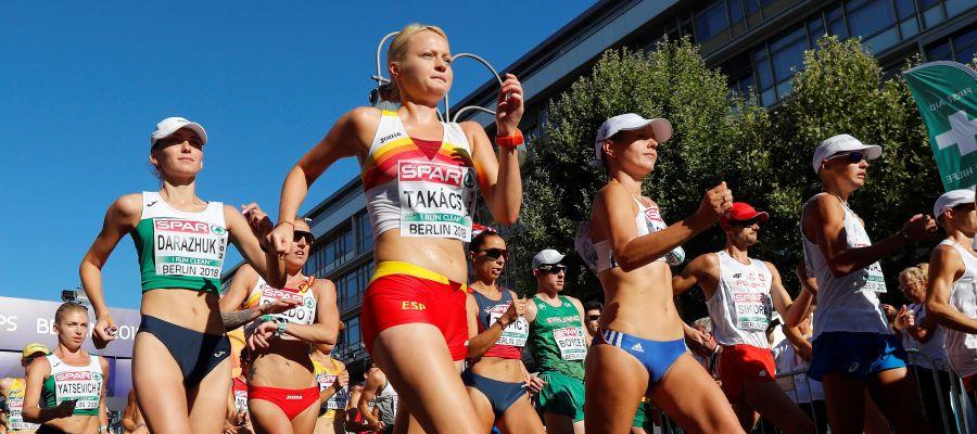 Julia Takacs, bronce en 50 km marcha, primera medalla española