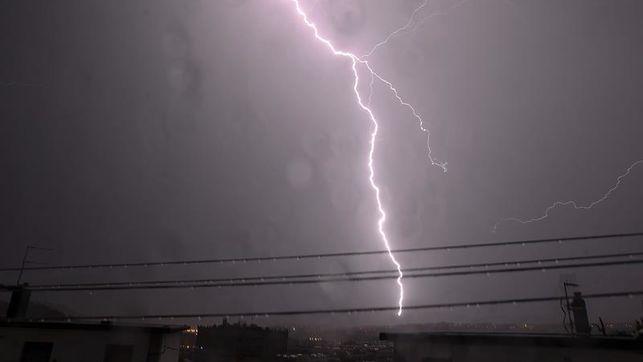 Alerta amarilla mañana en Navarra por lluvias y tormentas