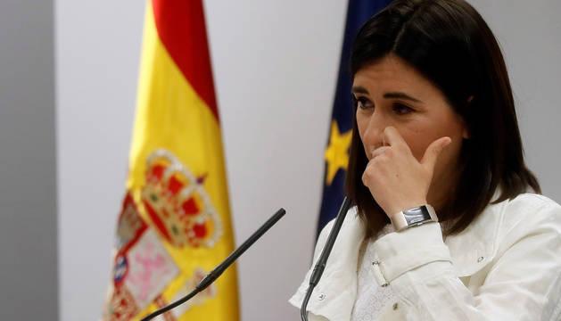 Dimite la ministra Montón por las irregularidades en su máster