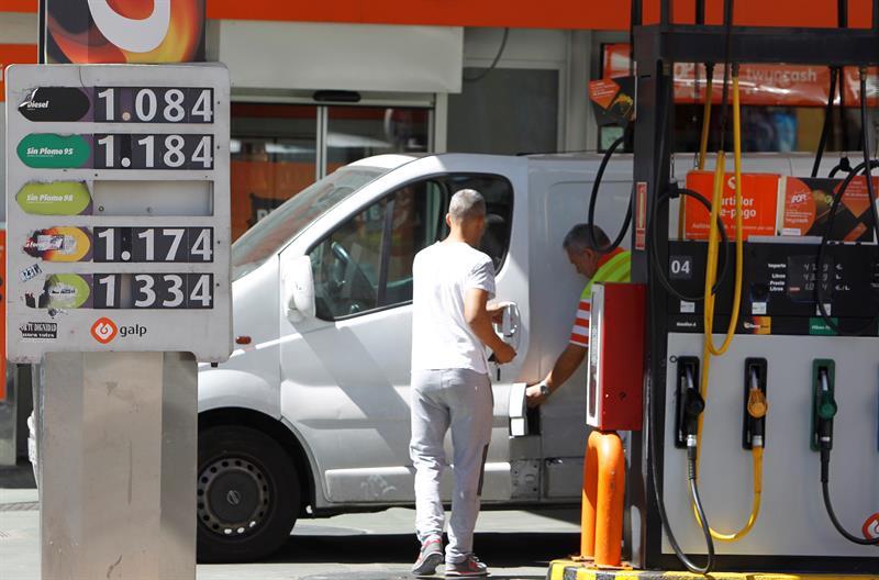 La inflación anual en España avanza hasta el 1,1 por ciento en febrero por los carburantes