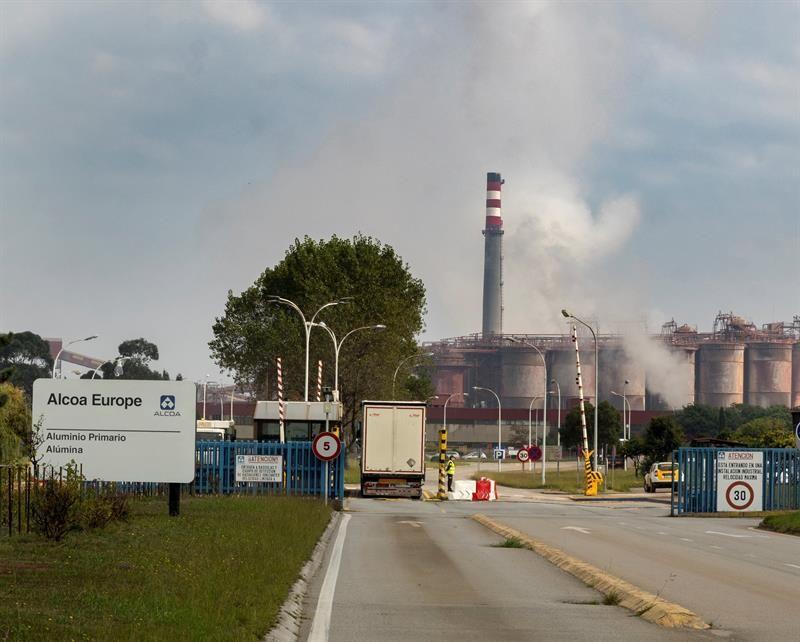 Gobiernos y trabajadores inician acciones para revertir los cierres de Alcoa