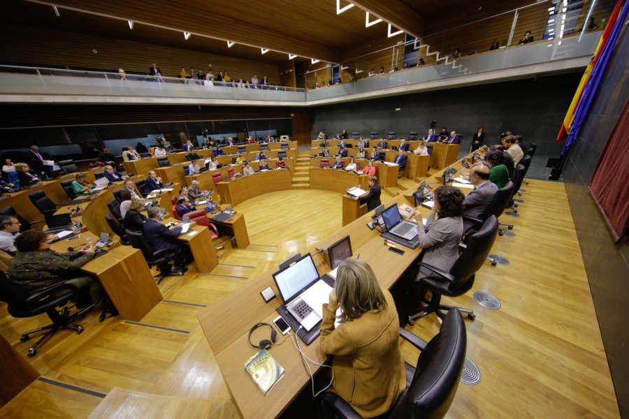 El Debate del Estado de la Comunidad continúa a la tarde con dos grupos y réplicas