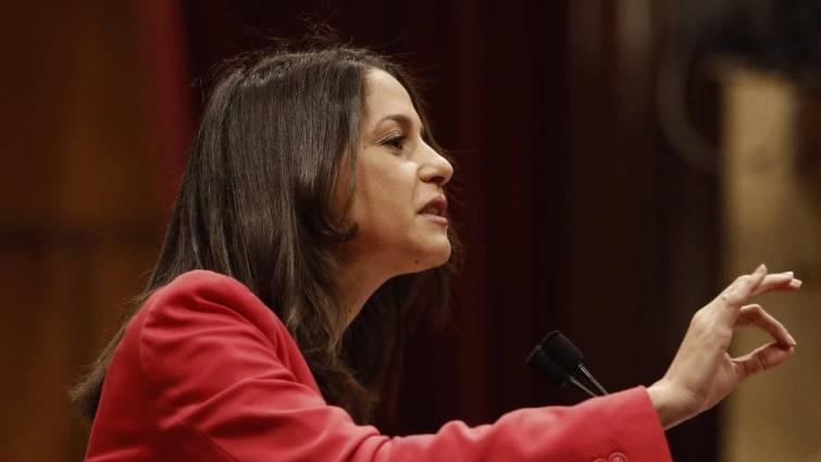 Arrimadas a Torra: No confunda la debilidad de Sánchez con la debilidad de la democracia