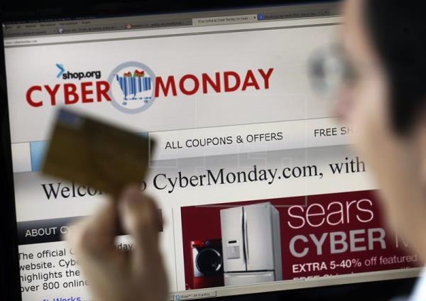 Las compras vía móvil ganan terreno en un ciberlunes de ventas históricas