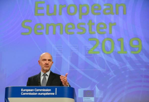 La CE advierte que el Presupuesto español conlleva riesgo de incumplir normas
