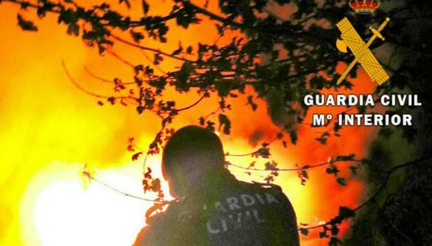 Un incendio causa daños en una caseta en Ustarroz y afecta a la masa forestal cercana