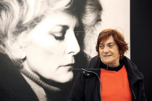 """Historia portátil de la fotografía"", la mirada de una coleccionista obsesiva"