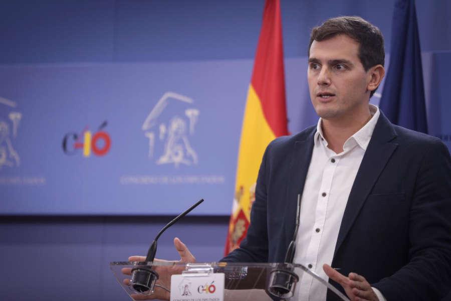 """Rivera: """"Torra ha secuestrado Cataluña para destruir España"""""""