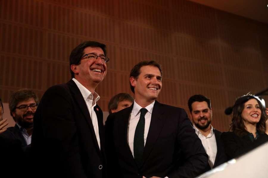 """Rivera pide """"responsabilidad"""" para no bloquear el acuerdo con el PP andaluz"""