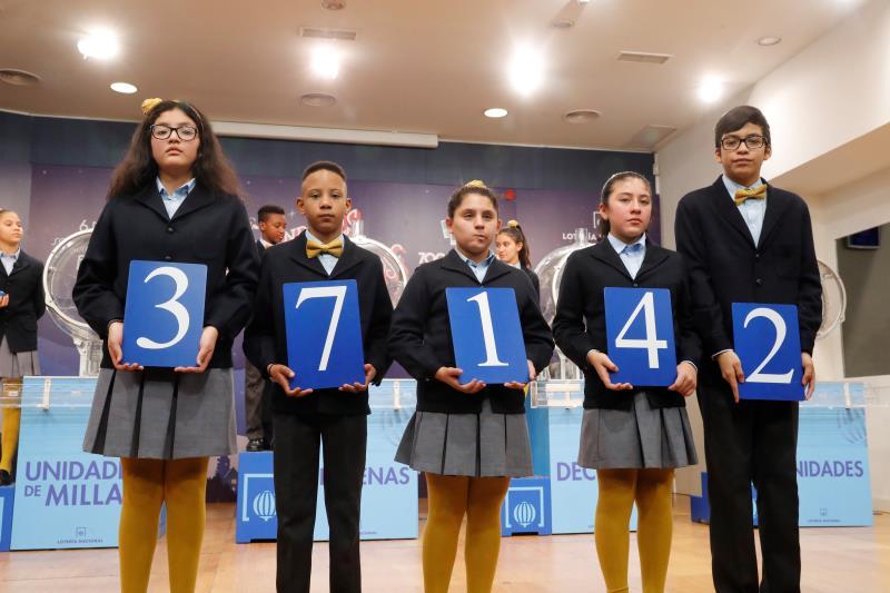El número 37.142, primer premio del Niño, vendido íntegramente en Barcelona