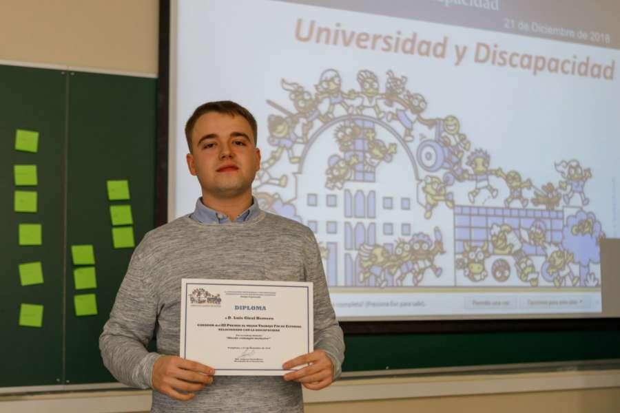 La UPNA entrega a Luis Giral Herrero el III Premio al Mejor Trabajo Fin de Estudios