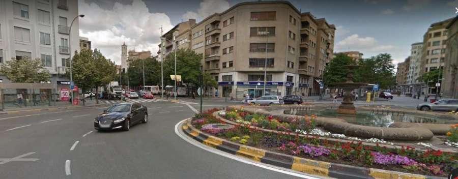 Una mujer herida grave en un atropello en la plaza de Merindades de Pamplona
