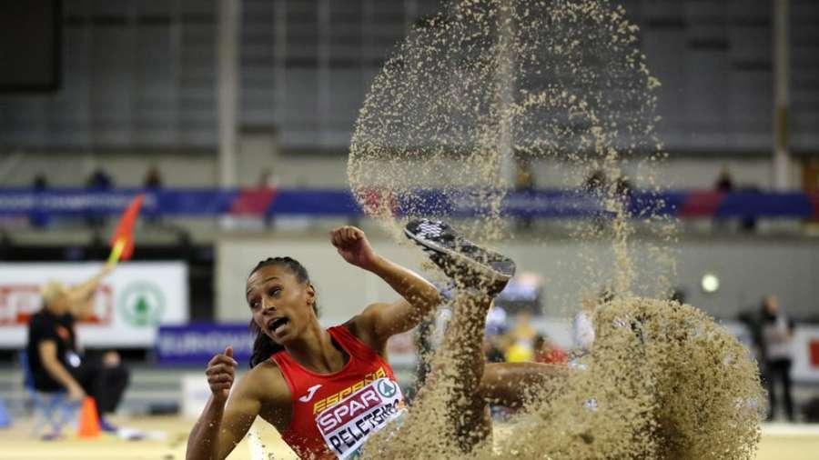 Ana Peleteiro, oro y récord de España de triple salto con 14,73