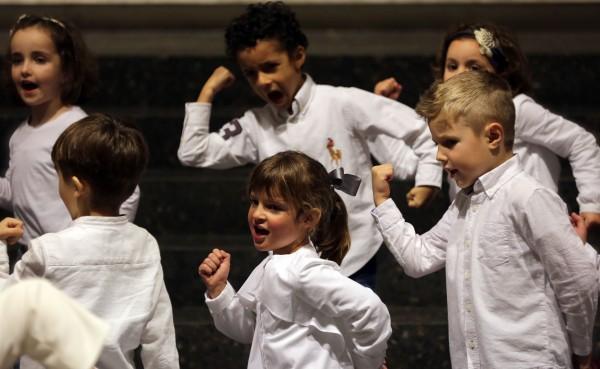 El enriquecimiento en valores une a niños y mayores en experiencia del Orfeón