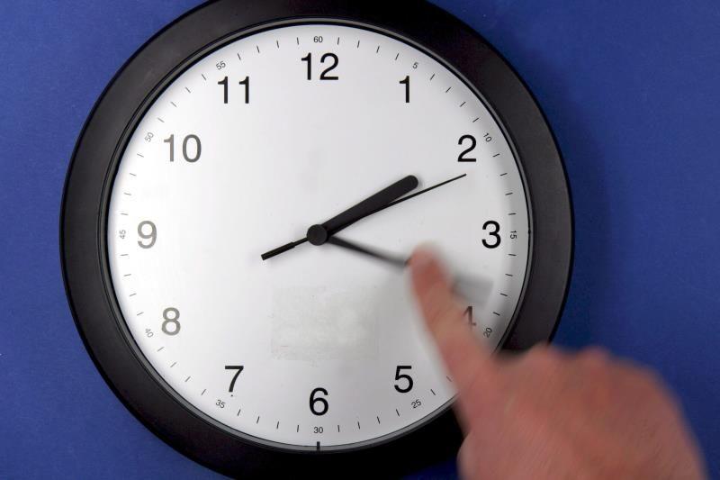 Este sábado se adelanta el reloj y a las 02.00 serán las 03.00
