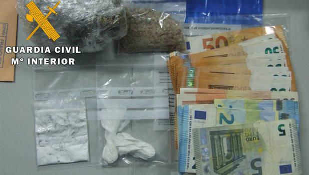 Dos detenidos acusados de un delito de tráfico de drogas