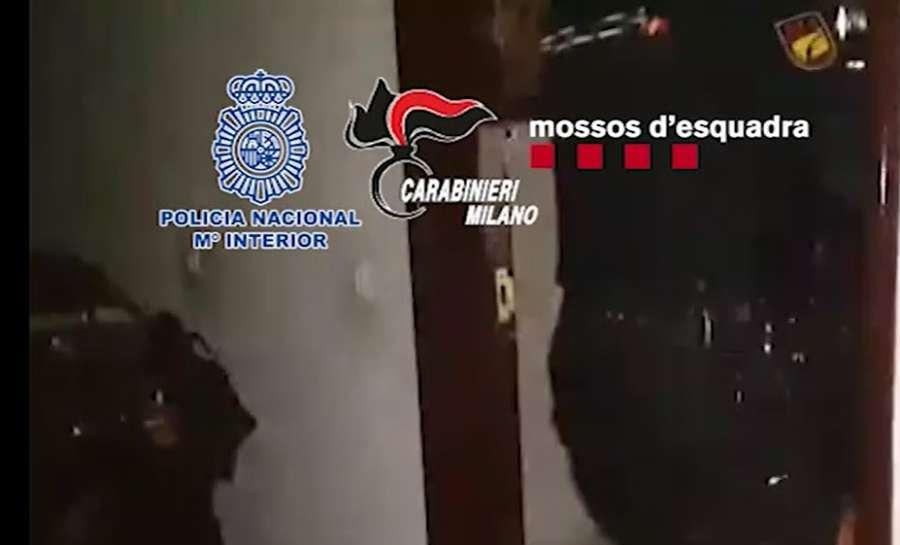 Detenidos dos atracadores de 80 y 73 años por robos en sucursales bancarias de Barcelona