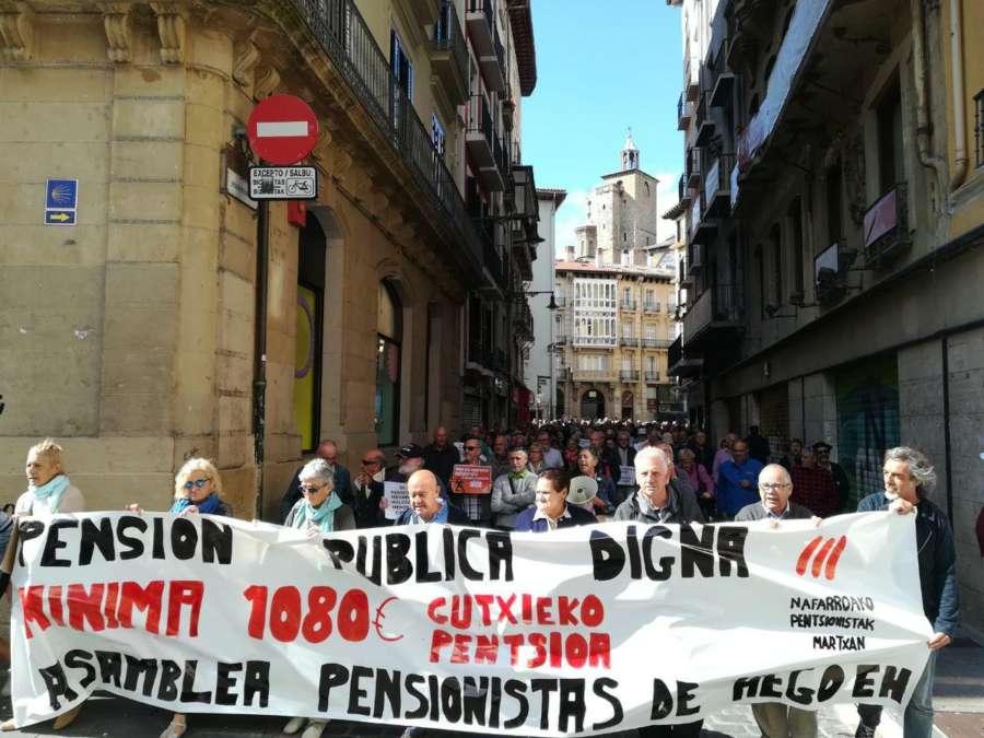 Una Manifestación Defiende Los Derechos De Pensionistas