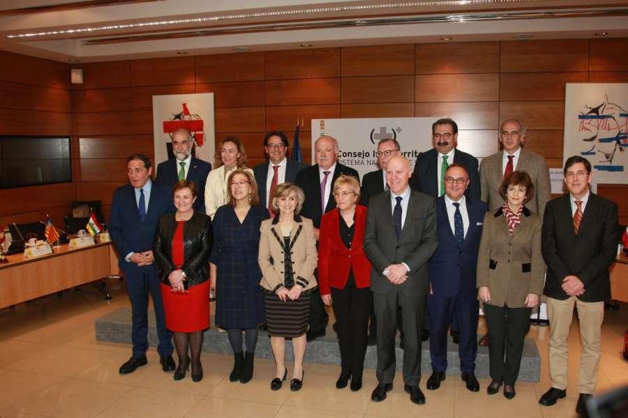 Domínguez apoya la propuesta del Ministerio para relanzar la AP y Comunitaria