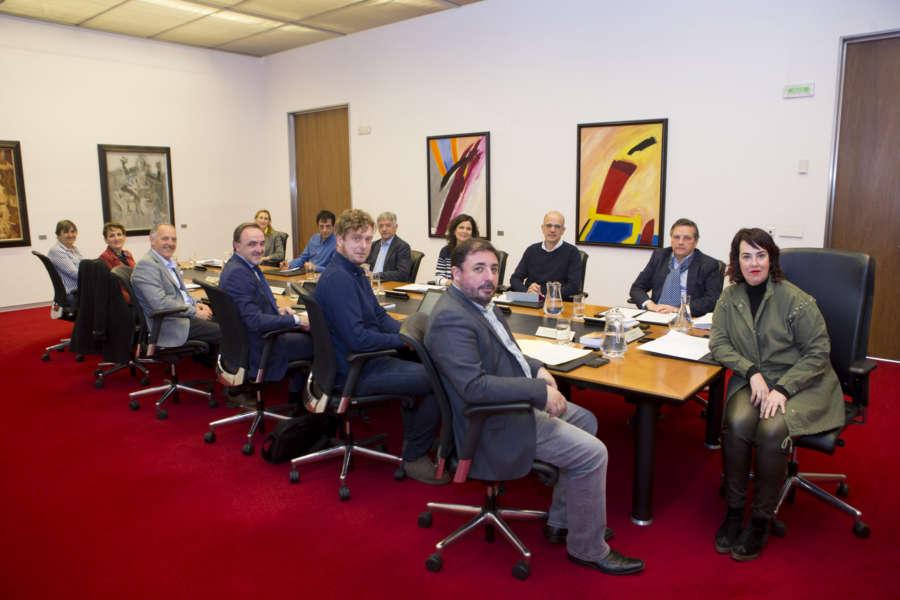 La Comisión Permanente del Parlamento celebra este lunes sesión de trámite
