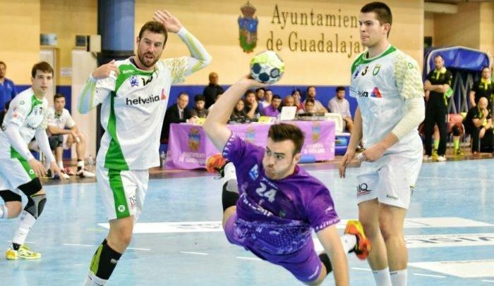 27-24. El Quabit Guadalajara resolvió al final ante Anaitasuna
