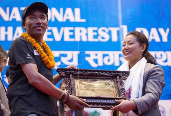 Kami Rita rompe un nuevo récord con 23 ascensos al Everest