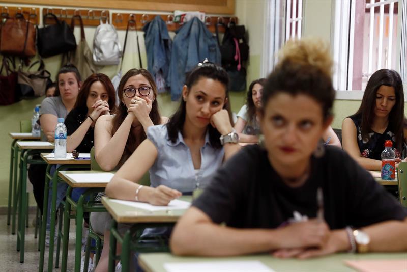 200.000 aspirantes a docente se examinan en la mayor convocatoria en 10 años