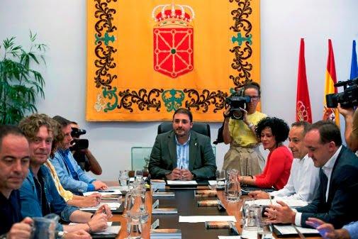 La Mesa estudia si el consejero Gimeno explica en Parlamento sus nombramientos