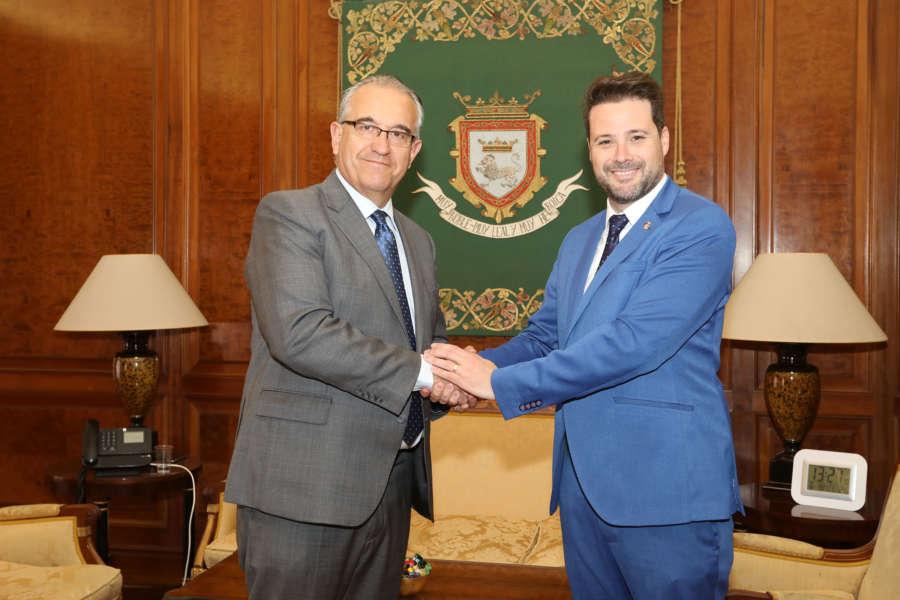 Los alcaldes de Pamplona y Tudela se comprometen a trabajar en proyectos conjuntos para mejorar los servicios a la ciudadanía