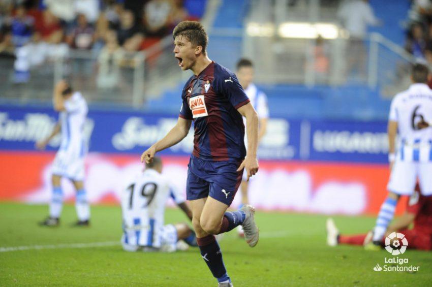 Osasuna paga al Barcelona 2,5 millones de euros por Marc Cardona