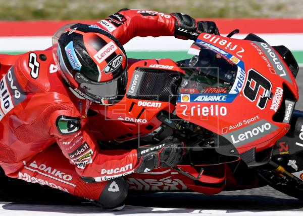 Petrucci arriesga y logra su primera victoria en MotoGP