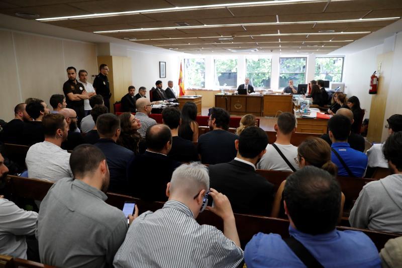 Un juzgado de Madrid decreta que los repartidores de Deliveroo eran