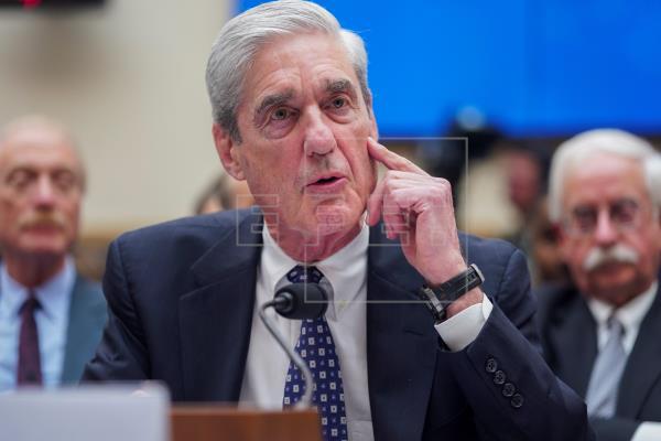 """El fiscal de la trama rusa afirma ante el Congreso que """"no"""" exoneró a Trump"""